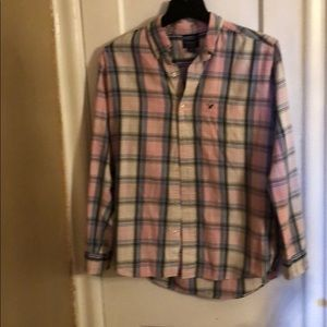 AMERICAN EAGLES OUTFITTER PLAID BUTTON DOWN SHIRT